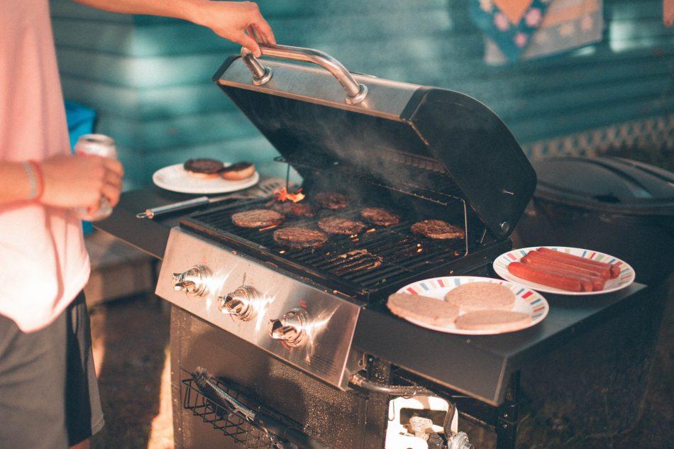 oprema za roštilj